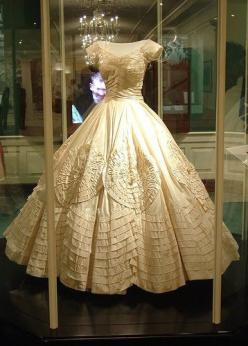 Jackie Kennedy's wedding dress  Jacqueline Lee Bouvier and John F. Kennedy were married on the morning of September 12, 1953