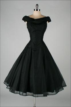 vintage 1950s dress . SUZY PERETTE - Classic Love the floaty skirt, and the neckline is cute, not sure that it would work for me.: Vintage 1950S Dress, 1950'S Dress, 1950'S Prom Dress, 1950S Black Dress, 1950'S Vintage Dress, Black Vintage Dre