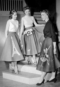 1950s Skirt History: Cirlce, Poodle, Pencil Styles. Poodle Skirts were not Just for Teens. http://www.vintagedancer.com/1950/1950s-fashion-history-skirts/: Fashion Photo, Poodle Skirts, Circle Skirts, Vintage Fashion, 1950S Skirt, Skirt History, 50S Skirt