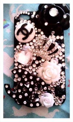 http://www.etsy.com/shop/WhimsyandLola   Custom Rhinestone Bling Decoden Phone Portfolio (with coupon code for 50% off next order). $45.00, via Etsy.: 32 Capas Celular, Capinhas De Celular, Bling Phone Case, Capinha De Celular, Cellphone, Chanel Phone Cas