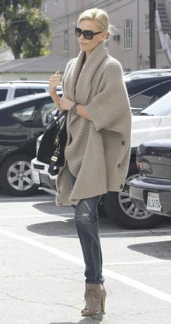 Nice drape.: Charlize Theron, Fashion, Style, Chunky Sweaters, Outfit, Big Sweater, Fall Winter