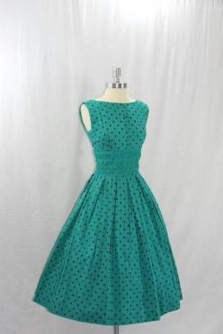 Oh my goodness! I just love these type of dresses. I wish I had the money to buy as much as I'd want: Polka Dots, 1950S, Vintage Dresses, Black Polka, Polka Dot Dresses, 1950 S, Polkadots, 50S Dresses, Vintage Style