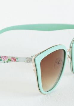 Rays Me Up Sunglasses in Mint Floral: Sunglasses Ray, Sunglasses Women, Womens Sunglasses 2015, Fashion Styles, Rayban Sunglasses, Raybans Sunglasses, Ray Ban Sunglasses, Mint Floral