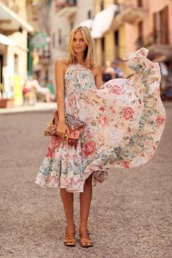 Love these florals! Check ouy my fave on Southern Elle Style! http://southernellestyle.com/blogfeed/knox-henderson-restuarants-and-dallas-restaurant-week
