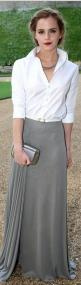 Gray pleated maxi skirt: Celebrity Style Casual, Clutch Jewelry, Emma Watson Style Outfits, Emma Watson Style Casual, Emma Watson Fashion, Emma Watson Casual, Celebrity Fashion, Classic Simple, Emma Watson Outfits