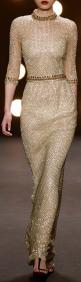 Great inpiration for casual outfit - Naeem Khan gold evening gown