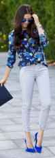 Hermoso todo: Blue Outfit, Summer Outfit, Suede Stilettos, Color, Street Styles, Fall Outfit, Blue Floral, Pink Peonies
