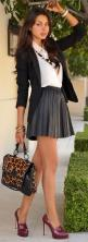 Women should return to this style. Full skirt, high heels and tight sweater top. Classy and sexy.: Schoolgirl, Leather Skirts, Street Style, Short Skirts, Workoutfit, Fashion Blog, Work Outfit, Pleated Skirts